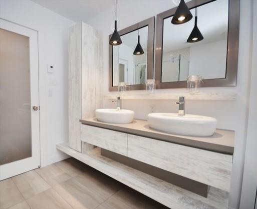 Salle de bain 1988 rue de Chateaumont